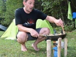 Wildkräuter Outdoorküche | Gaskocher