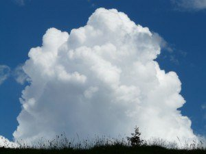 NEVEREST Blog Cumulus Wolken