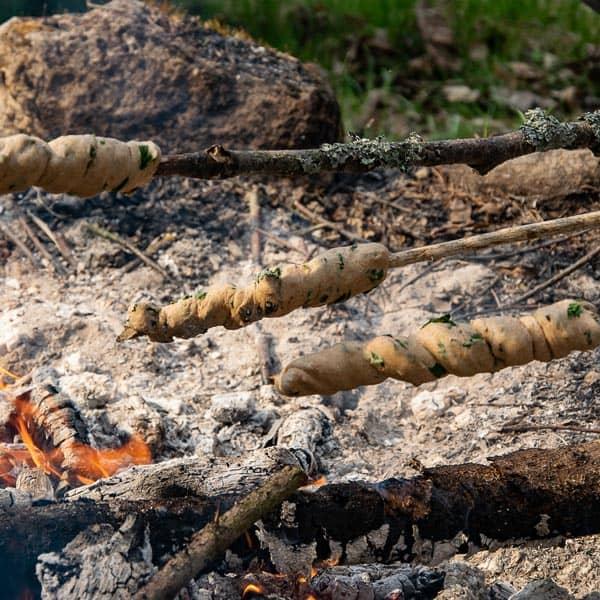 Wildkräuter Outdoorküche für Kinder | Steckerlbrot